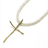 22CT YELLOW GOLD CROSS WITH 12PTS DIAMOND